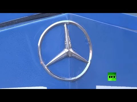 شاهد غزاوي يصنع سيارة مرسيدس بنز كلاسيكية