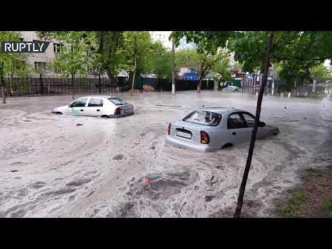 شاهد فيضانات تجتاح العاصمة الأوكرانية بعد أمطار غزيرة