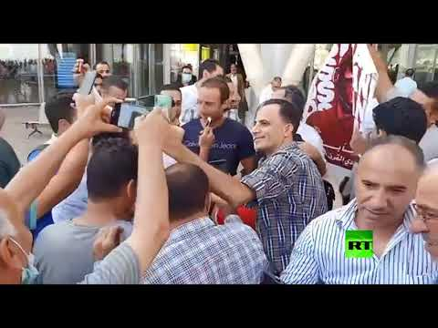شاهد موسيماني مدرب الأهلي المصري يصل مطار القاهرة الدولي