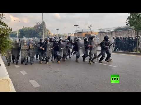 شاهدمواجهات بين الشرطة ومتظاهرين في بيروت