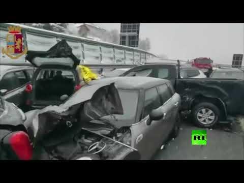 شاهدحادث مروري مروع بسبب الجليد في إيطاليا