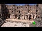 شاهد انتشار الشرطة العسكرية الروسية في محيط آثار بصرى السورية