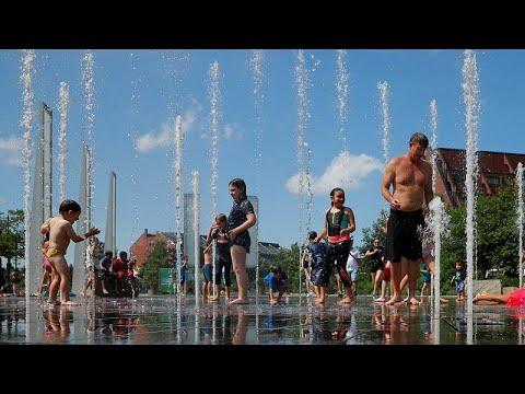 ارتفاع قياسي في درجات الحرارة يُثير حيرة الحكومات في أوروبا