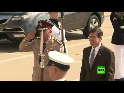 شاهد وزير الدفاع المصري يصل واشنطن على رأس وفد عسكري تلبية لدعوة رسمية
