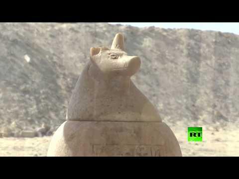 شاهد اكتشاف 16مقبرة أثرية في المنيا جنوب مصر
