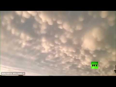 شاهد عواصف رعدية تجتاح أوكلاهوما الأميركية وتُغطي سمائها بالغيوم